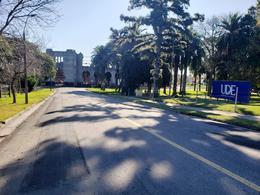 Foto Terreno en Venta en  Colonia del Sacramento ,  Colonia  Terreno con frente a dos calles ubicado a 300 metros de la Plaza de Toros