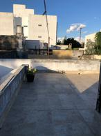 Foto PH en Venta en  La Plata ,  G.B.A. Zona Sur  17 entre 63 y 64