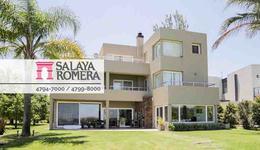Foto Casa en Venta en  Isla Santa Monica,  Countries/B.Cerrado  Isla Santa Monica entre Country Nautico y
