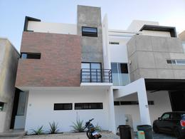 Thumbnail picture House in Rent | Sale in  Arbolada,  Cancún  Arbolada