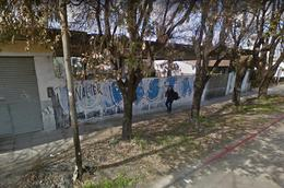 Foto Local en Venta en  Centro (Moreno),  Moreno  Tucumán esquina Martín Fierro
