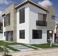 Foto Casa en condominio en Venta en  San Miguel Totocuitlapilco,  Metepec  CASAS EN VENTA EN METEPEC, FRACCIONAMIENTO CONDADO DEL VALLE