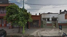 Foto Terreno en Venta en  San Miguel De Tucumán,  Capital  Av. Belgrano 2200- Ideal p/ demolición - Emp. Comercial