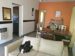Foto Casa en Venta en  Moron Sur,  Moron  Antonio Rivero al 2500
