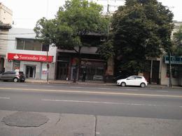 Foto Local en Alquiler en  Caballito ,  Capital Federal  Av.La Plata al 1000