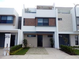 Foto Departamento en Venta en  Fraccionamiento Cumbres Residencial,  Boca del Río  Casa con Roof Garden en Boca del Río en Fracc. Privado