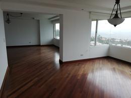 Foto Departamento en Alquiler en  San Isidro - Vista Grande,  Quito  Urbanización Vista Grande