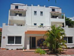 Foto Edificio Comercial en Venta en  Solidaridad ,  Quintana Roo  Edificio de 6 apartamentos   Playa DEL CARMEN  RIVIERA MAYA
