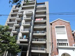 Foto Departamento en Venta en  Moron ,  G.B.A. Zona Oeste  Carlos Pellegrini  858