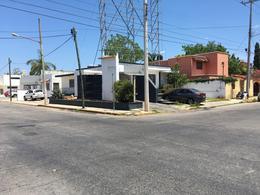 Foto Local en Venta en  Fraccionamiento San Miguel,  Mérida  Esquina sobre 2 Avenidas de alto flujo vehicular en Merida, 375 m² de superficie (Casa para local comercial)