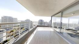 Foto Departamento en Venta en  Playa Mansa,  Punta del Este  Apartamento de Diseño a Metros de Playa Mansa