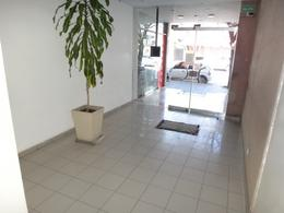 Foto Departamento en Venta en  Área Centro Este ,  Capital  Irigoyen 332