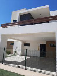 Foto Casa en Venta en  Culiacán ,  Sinaloa  CASA EN VENTA EN PRIVADA CON ALBERCA CULIACAN