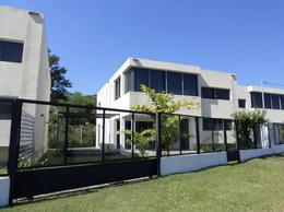 Foto Casa en Alquiler | Alquiler temporario en  San Bernardino ,  Cordillera  Alquilo Moderno Dúplex Amoblado Con Piscina A 50 mts Del Lago En Sanber