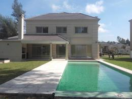 Foto Casa en Venta en  Canning,  Esteban Echeverria  Saint Thomas Este