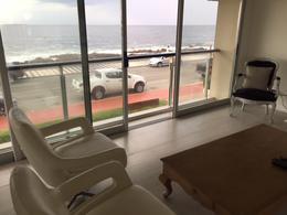 Foto Departamento en Alquiler temporario en  Península,  Punta del Este  Península