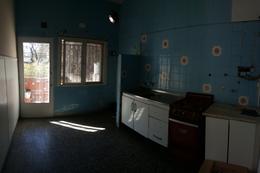 Foto Oficina en Venta en  Moron Sur,  Moron  San Martin 42. Moron