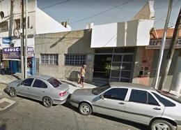 Foto Local en Venta en  Gerli,  Avellaneda  Lacarra 2073