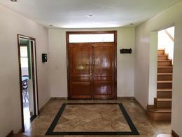 Foto Casa en Venta en  Saint Thomas,  Countries/B.Cerrado (E. Echeverría)  Casa impecable St Thomas Norte, Canning