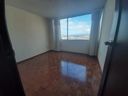 Foto Departamento en Alquiler en  Quito ,  Pichincha  MARIANA DE JESUS - CERCA AL HOSPITAL METROPOLITANO, DEPARTAMENTO DE RENTA DE 165 m2