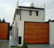 Foto Casa en Venta en  José Hernández,  La Plata  138 entre 517 y 518
