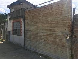 Foto PH en Alquiler en  Lomas de Zamora Oeste,  Lomas De Zamora  Bustos 573