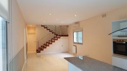 Foto Casa en Alquiler en  Guillermo E Hudson,  Berazategui  CC ABRIL CISNES 2