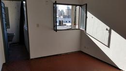 Foto Departamento en Alquiler en  Pichincha,  Rosario  Rivadavia al 2400