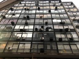 Foto Oficina en Alquiler en  Centro (Capital Federal) ,  Capital Federal  Montevideo al 400
