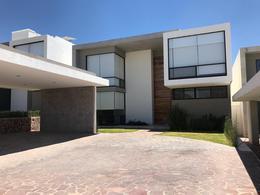 Foto Casa en Venta en  Country Club Gran Jardín,  León  El Bosque Country Club Venta casa 4 Recamaras