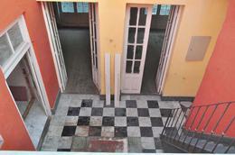Foto Casa en Venta en  Ciudad Vieja ,  Montevideo  Casas en Ciudad Vieja - 5 o mas dormitorios