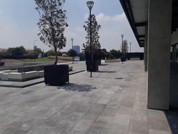 Foto Local en Venta | Renta en  Fraccionamiento El Campanario,  Querétaro  UNICO LOCAL EN VENTA EN PLANTA BAJA EN LA RESERVA