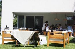 Foto Casa en Venta en  Adrogue,  Almirante Brown  ADROGUE CHICO - SOLER AL 200