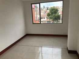 Foto Local en Venta en  Centro de Cuenca,  Cuenca          Oportunidad amplio local comercial 92m2 Av. de las Américas $105.000dlrs.