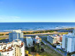 Foto Departamento en Alquiler   Alquiler temporario en  Playa Brava,  Punta del Este  Parada 7 de la brava, Punta del Este