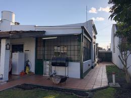 Foto Casa en Venta en  Lomas de Zamora Oeste,  Lomas De Zamora  Sarmiento al 800