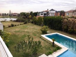 Foto Casa en Venta en  Los Castores,  Nordelta  Venta Casa ubicada en calle cul de sac }.