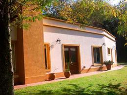 Foto Casa en Venta en  La Martona,  Countries/B.Cerrado (Cañuelas)  Funcional y amplia casa de cuatro dormitorios y dependencia - Club de Campo La Martona UF 1280, Ruta al 200