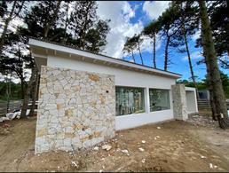 Foto Casa en Venta en  Alamos II,  Pinamar  Avenida Alamos 1400