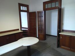 Foto Oficina en Alquiler en  Cordoba Capital ,  Cordoba  Rivadavia 57