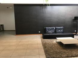Foto Oficina en Venta | Alquiler en  Norte de Quito,  Quito  AMPLIA OFICINA EN LA 12 DE OCTUBRE SP.