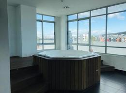 Foto Oficina en Venta   Alquiler en  La Carolina,  Quito  Av. República