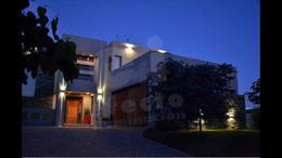 Foto Casa en Venta en  Cordoba Capital ,  Cordoba  Tejas del Sur III s/n