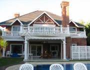 Foto Casa en Venta en  Saint Thomas,  Countries/B.Cerrado (E. Echeverría)  Av. Castex al 3200