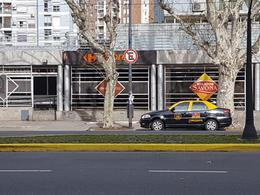 Foto Local en Alquiler en  Boca ,  Capital Federal          Av. Almirante Brown 235