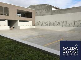 Foto Cochera en Venta en  Lomas De Zamora ,  G.B.A. Zona Sur  HIPOLITO IRIGOYEN 8381 Cochera en Subsuelo