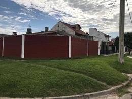 Foto Casa en Alquiler en  Lomas De Zamora ,  G.B.A. Zona Sur  Garona 2396