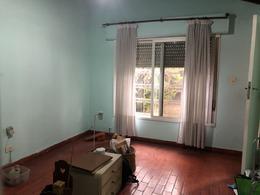 Foto Casa en Venta en  Adrogue,  Almirante Brown  Av San Martin 1430