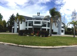 Foto Casa en Venta en  Saint Thomas,  Countries/B.Cerrado (E. Echeverría)  Venta - Casa en Saint Thomas Sur - Canning