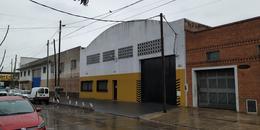 Foto Galpón en Alquiler en  Lanús Oeste,  Lanús  Julian Lagos 1039 E/ R. de Escalada y Tuyuti